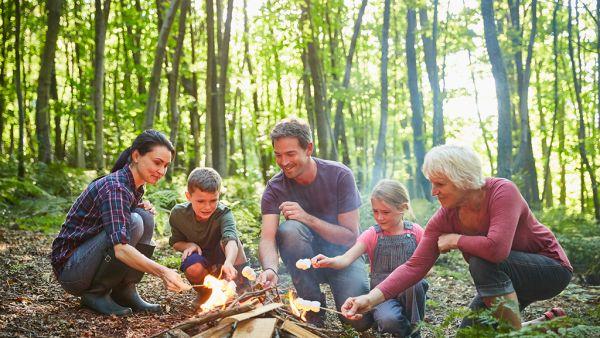 feu de camp en famille